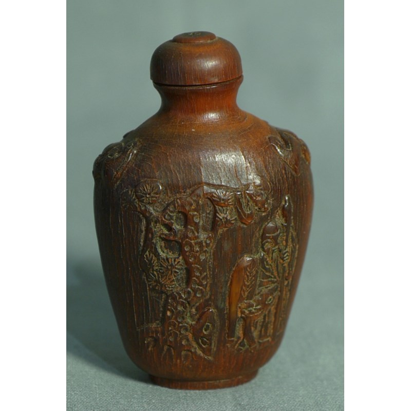 IMPORTANTISSIMA SNUFF-BOTTLE IN CORNO PREZIOSO. CINA, SEC. 17°